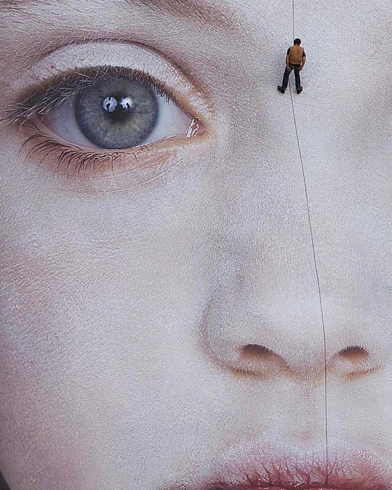fata femeie ochi alpinist nas
