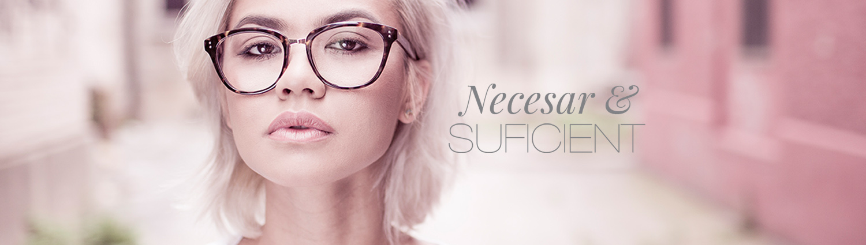 Fata ochelari față produse dermatocosmetice
